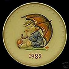 "M.I. HUMMEL.     ""UMBRELLA GIRL PLATE"""