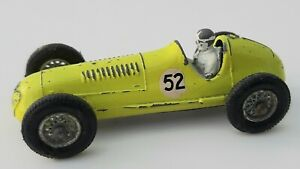 Vintage Lesney / Matchbox Maserati 4CLT/1948 diecast model car No.52