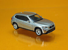 Herpa 034340-003 BMW X1 ( E84 ) -  glaciersilber metallic