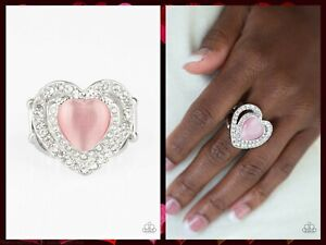 NWT! Paparazzi ~ What The Heart Wants ~ Pink Ring ~ Stretchy Band