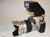 SET: Canon EOS 300 Kamera+ Objektiv 28-210mm Voigtländer AF +Blitz 300EZ