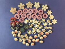 Pretty Mixed Lot Of Vintage Flower Buttons