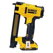 DeWALT DCN701D1 20 Volt 1 Inch Cordless Electrician Wire Stapler Kit