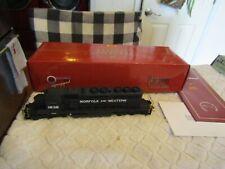 Broadway Limited Paragon Series HO EMD SD40-2 Diesel Locomotive N&W 1938 392