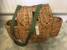 Wicker fishing creel with side pockets