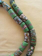 Lot de 55 millefiori vert. Collier perles Vénitiennes anciennes (MIL / 183 / 01)