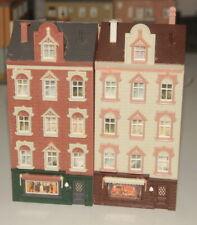 Spur H0 zwei baugleiche Altstadthäuser mit Ladenlokale