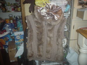 Womens Green Tea Brown Cable Knit Sweater Vest W/Faux Fur Hoodie Zip Up sz Large