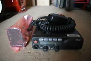 EF Johnson Multi-Net Ascend ES ATH2425372 762-869Mhz Mobile Radio w/ Bracket Mic