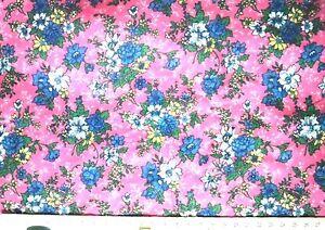 "Blue & White Floral Print on Pink Fabric - Fat Quarter - 46cmx56cm 18""x22"""