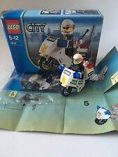 Lego City motorbike Minifigure Set 7235 100% Complete box instructions 2005
