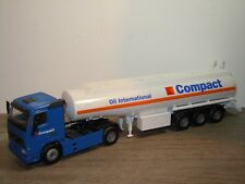 Volvo FH12 met Tank Trailer Compact Oil International - Joal 1:50 *34628