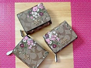 BNWT Coach Small Trifold Wallet With Dandelion Floral ,chalk ,black ,red, choose