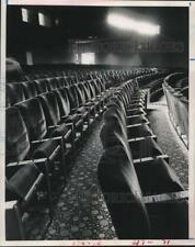 "1962 Press Photo Windsor Cinema Theatre ""rocking"" chairs - Houston - hcx26119"