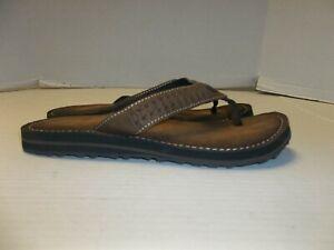 Womens Size 8M Clarks Brown Flip Flop Sandals