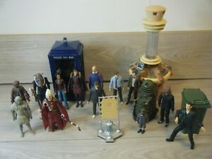 "BUNDLE OF 15 5.5"" DOCTOR WHO FIGURES INC SOME RARE VARIANTS+TARDIS AND PANEL"
