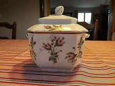 Sucrier porcelaine de Paris époque Louis Philippe motifs floral.