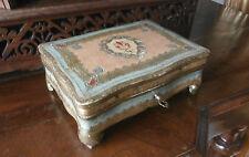 scatolina porta gioie in legno con decorazioni
