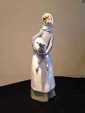 Lladro Girl with Lamb #4584