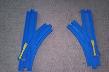 TOMY THOMAS TRACKMASTER TRAIN RAIL SPLIT SWITCH L R TURN OUT R-11 BLUE TRACK