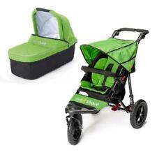 Poussette de promenade verts avec harnais à cinq points pour bébé