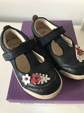 Clarks  Shoe 7 F 24 Boxed Flower Mini Blossom Navy Floral