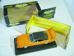 ERTL AMERICAN MUSCLE COLLECTABLES 1/18 SCALE 1970 PLYMOUTH SUPERBIRD