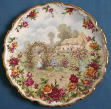 ROYAL ALBERT A CELEBRATION OF THE OLD COUNTRY ROSES GARDEN PLATE 1986 ENGLAND