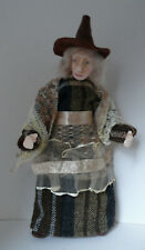 Dolls House Miniature Lace Apron Witch  1-12TH Scale