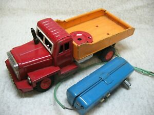 1950'S VINTAGE BATTERY-OPERATED REMOTE CONTROL SKK JAPANESE TIN TRUCK-FOR PARTS