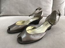 Hush Puppies Super Cute Leather Peep toe Wedge Heels Casual size 6.5 'mara'