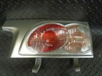 2005 TOYOTA ESTIMA 2.4 HYBRID DRIVERS SIDE INNER REAR BOOT LID LIGHT 28-148R