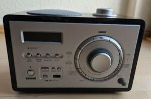 Design Radiowecker mit Snooze, USB MP3, Aux-In etc.