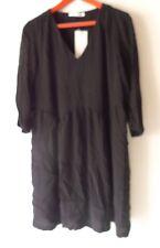 belle robe see U soon taille 2 couleur noir