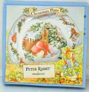 """WEDGWOOD PETER RABBIT Christmas Plate 1995 England 8"""""""