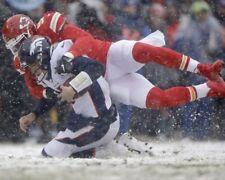 ALEX OKAFOR 8X10 PHOTO KANSAS CITY CHIEFS KC PICTURE NFL VS BRONCOS IN SNOW