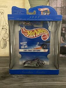 Hot Wheels 1997 First Editions Scorchin' Scooter W/ Collectors Protector