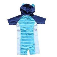 Markenlose Badekleidung für Jungen