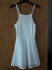 Vestido de Verano H&M Blanco Encaje ajustado y acampanado Corto Talla 10 magnífico totalmente forrado en muy buena condición