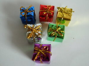 (X.5) 1/12th scale DOLLS HOUSE SET OF SIX LARGE CHRISTMAS PARCELS