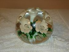 GIBSON GLASS PAPERWEIGHT WHITE FLOWERS WITH GREEN 1999?