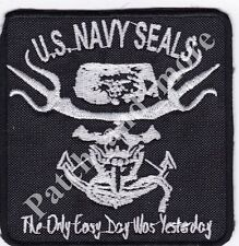 "[Patch]  U.S. NAVY SEALS ""THE ONLY EASY DAY..."" cm 9,5 x 9,5 toppa ricamo -1196"