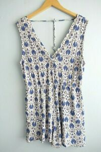 Tigerlily Sleeveless Crossover V neck Batik Floral White Romper Playsuit sz 14