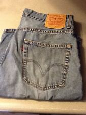 LEVIS 569 MEN'S RED TAB LOOSE STRAIGHT SHORTS 34 X 10 1/2  (MEASURES SAME)