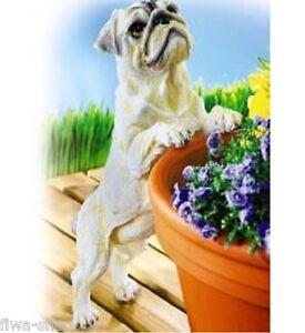 Lebensechte Tierfigur Hund Mops Deko Gartenfigur Kunststein  38 cm lang