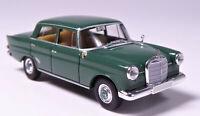 H0 BREKINA Starmada Mercedes Benz 190 C W 110 grün Sitzbank Lederoptik # 13351
