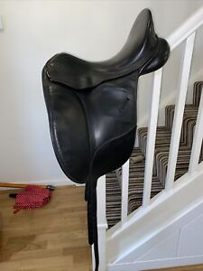 16.5 Inch Black Leather Bates Isabell Werth Dressage Saddle Changeable Gullet