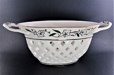 Lenox Porcelain Frosted Berries Pirced Basket (A34)