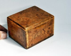Lovely Vintage Marquetry Small Wooden Box with Hinged Lid - 8.5 x 6 x 7.5cms