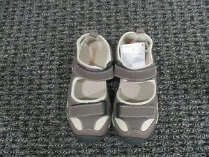 New with Tags Gymboree Unisex toddler sandal, sizes 11 and 12, Brown/tan